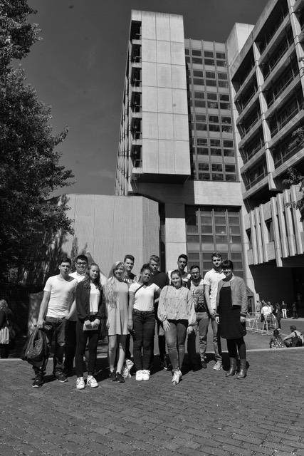 Unsichtbares sichtbar machen – Prämiertes Theaterprojekt beim NSU-Prozess in München